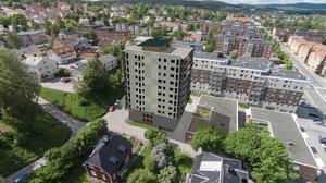 En trerummare på 128 kvadratmeter i det planerade höghuset på Erstagatan har utgångspriset 4,6 miljoner kronor.