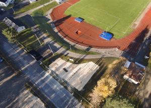 Det nya utegymmet är placerat nära Baldershovs Ips löparbanor och fotbollsplan.