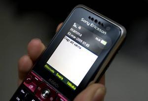 Linn Stolt väcks av sin mamma med ett sms varje morgon.