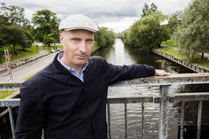 Miljödirektör Andreaz Strömgren menar att läckor ut i Selångersån inte är ovanliga, men att de blir allt färre.