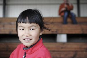 Maja Stigsvala går på friidrottskola för tredje året och vill börja träna på riktigt.