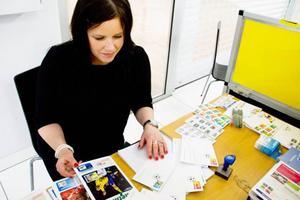 Sussanna Andersson är frimärksamlare och kunde inte riktigt hålla sig ifrån aktiviteterna som erbjöds under frimärkets dag.