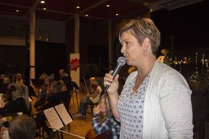 Pernilla Vosveld var konferencier för välgörenhetskonserten.