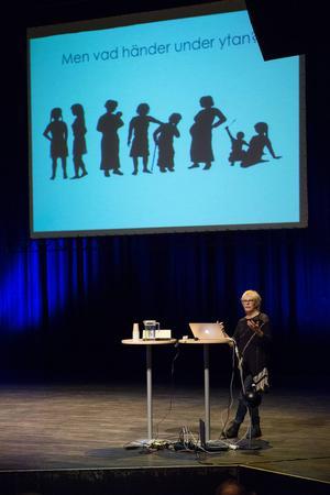 Lena Lorentzen, professor på Mittuniversitetet höll en inspirationsföreläsning för Design Opens deltagare.