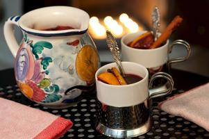 En glögg inspirerad av Spaniens sangria - fast varm. Kul och annorlunda.