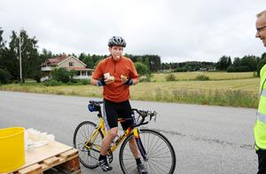 Bäst att äta snabbt vid depån för Samuel Jonsson från Kilafors. Han gick i mål efter två varv på två timmar och 31 minuter.