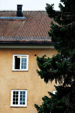 53 tillsvidareanställda och ett antal visstidsanställda kan förlorar jobbet när staten nu vill lägga ned Frösö LVM-hem. Under torsdagen informerades personalen om det lagda förslaget.