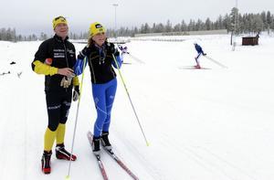 Svensk-norska paret Ole och Runi Wold är stugägare på Idre Fjäll som i helgen passade på att känna på det färdiga skidspåret på Idre Fjäll.