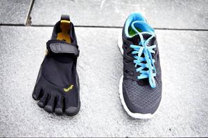 Det här är barfotaskor:Att springa  barfota efter att ha haft skor hela livet är som att lära sig gå efter ett liv i rullstol.