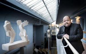 Kalle Moraeus gör debut som programledare för Så ska det låta i tv på söndag. Foto: PONTUS LUNDAHL / TT