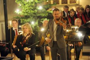 Martin Lissola var en av många som bidrog till den stora musikupplevelsen som årets Musik i juletid i Lima kyrka kom att bli.