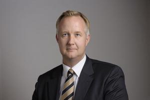 Johan Pehrson (FP) ger sig inte om a-kassefrågan.
