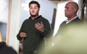 """Henrik Eriksson, till vänster, driver det företag som ska sköta verksamheten på Tallmogården. """"Vi kommer att göra allt för att de asylsökande ska få stimulans och aktivera sig"""". Foto: Thomas Isaksson"""