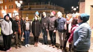 Delar av Orsa ungdomskör tillsammans med andra sjungande ställde upp.