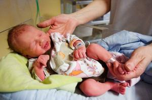 Jacqueline föddes 01.42 och vägde 2326 gram. Foto: Ulrika Andersson