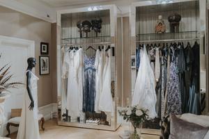 Varje klänning är unik i den mening att den skapats utifrån en specifik kund och ett särskilt tillfälle.