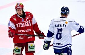 Elias Granath var sugen på att flytta hem efter tiden i Timrå – men Leksands sportchef, Tommy Salo, vill inte ha honom.