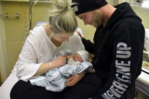 Här är årets första nya familj i Sundsvall.