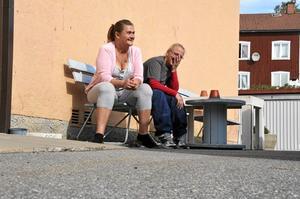 Överens. Både Anne-Marie Hööst och Kristina Pettersson tycker att invandringen är ett problem i Ljusnarsberg. – Men jag vill poängtera att vi inte är rasister, säger Anne-Marie Hööst som röstade på                                                               SD för att de ska minska invandringen.Foto: Sofia Gustafsson