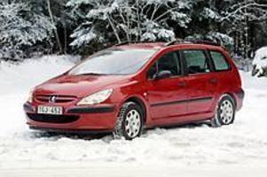 Foto: OLLE HILDINGSON Rymling. Kombiversionen av Peugeot 307 har köpts i betydligt mer än tusen exemplar under första halvåret.