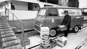 29 december 1971. En båt kommer lastad, eller ska snart få en liten last från Cumlins skeppshandel.