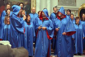 Färila gospelkör fyllde hela kyrkan med sin energi.