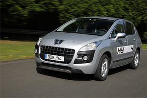 Om två år kommer Peugeot 3008 som fyrhjulsdriven hybrid. Prototypen är lovande.