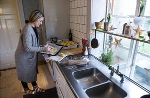 Att förvandla 1960-talsinredda lägenheter till ett 1800-talstorp visade sig vara en rejäl utmaning.