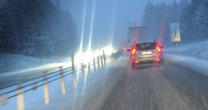 Sämre sikt och hala vägar gör det farligare att vara ute på vägarna.                                                   Foto: Johan Nilsson/Scanpix