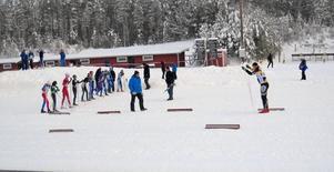 Göran Westman hade en genomgång innan bilförarna gav sig ut på halkbanan.