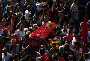 Tre av Surucs offer begravdes i Istanbul på onsdagen.