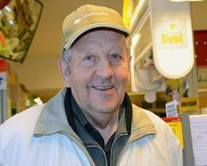 – Det är jätteviktigt för byn att butiken finns kvar, säger Rune Antonsson, Sörsjön.