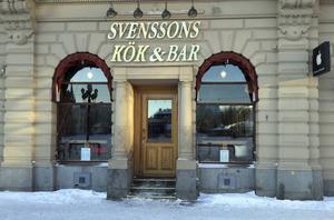 Ölkranar och alkohol stals från Svenssons kök och bar.