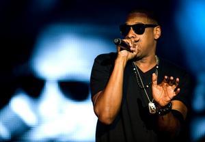 2010. Världsstjärna på Peace & Love när Jay-Z uppträder.