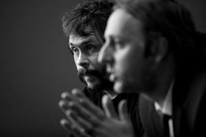 Johan Persson och Martin Schibbye på plats i Härnösand.