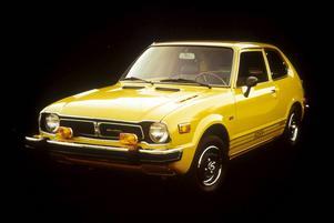 Honda Civic hade premiär 1973 och blev snabbt populär eftersom den var så rymlig trots sin ringa storlek. Den hade Hondas speciella CVCC-motor och framhjulsstyrning.