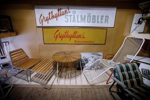 Stolen till höger var med på en utställning där modehuset Donna Karan i New York fick se den. De lade en order på stolar som företaget skulle ha i sina skyltfönster. Tyvärr var vi då för små för att få fram stolarna tillräckligt snabbt så de avbeställde, berättar Karl Lindqvist.