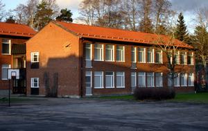 Centralskolan i Laxå blir av med fem tjänster om sparförslaget går igenom. Arkivbild: peter Eriksson