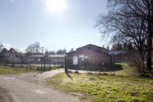Ungdomsgården i Storvik ligger idag mitt i ett industriområde, otillgängligt och otryggt placerad enligt Sandvikens kommuns undersökning. Arkivbild.