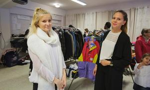 Mimmi Wallin och Patricia Rähkönen hoppas att lördagens insamlingsdag kan inspirera fler att hjälpa.