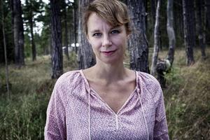 Sara Stridsberg ersätter författaren och översättaren Gunnel Vallquist på stol på nummer 13. Hon tillträder vid Akademiens högtidssammankomst den 20 december i år.