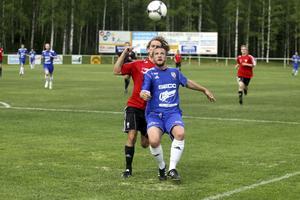Fagersta Södra hade problem med att få till spelet i matchen mot BK 30. Det blev för stressigt i försvaret, vilket ledde till många långbollar upp mot anfallet.
