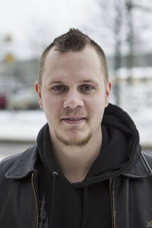 Filip Olsson 28 år, Färila– Att kliva upp tidigt på morgonen.