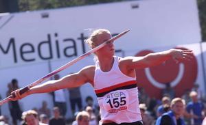 Simon Litzell drog iväg spjutet hela 74 meter under SM-tävlingen.