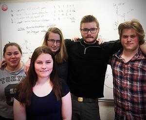 Eleverna på Räddningsgymnasiet i Kramfors som blivit experter på amatörradio.