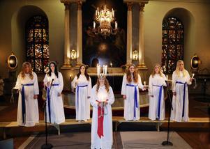 Härjedalens lucia 2014, Hedetjejen Ida Arnesson, kröntes i Svegs kyrka.