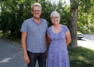 Bengt Bergqvist (S) och Ann-Marie Johansson (S) presenterade ett förslag som beräknas ge 66 arbetslösa ungdomar möjlighet till jobb och utbildning inom sjukvården i länet.