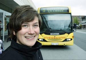 – Det känns så himla rätt att vi satsar på nya bussar inom Stadstrafiken, säger nya chefen Karin Axén.