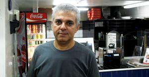 Omar Shekho, som driver pizzeria Napoli, blev arg när han förstod att han drabbats av inbrott.
