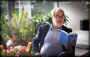 Bo R Holmberg läste ur sin senaste bok.